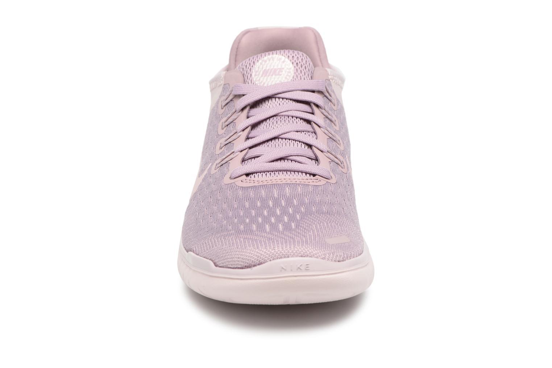 Chaussures de sport Nike Wmns Nike Free Rn 2018 Rose vue portées chaussures