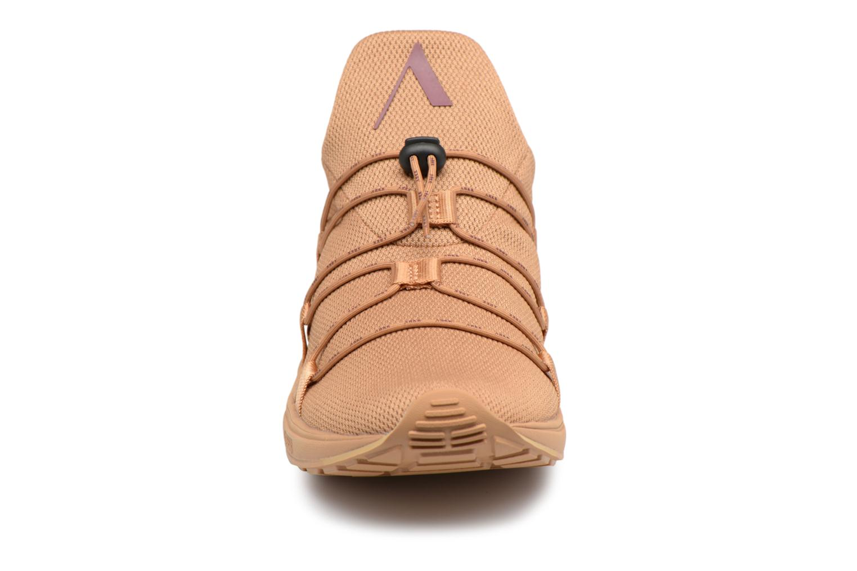 Sneakers ARKK COPENHAGEN Scorpitex S-E15 Marrone modello indossato