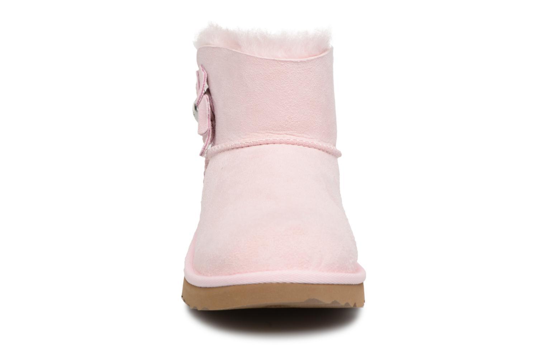 Bottes UGG Mini Bailey Button Poppy Rose vue portées chaussures